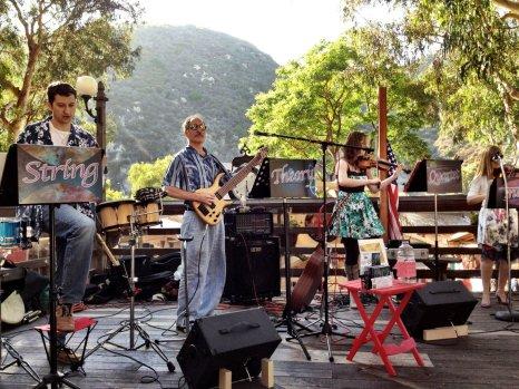 String Theory rocks the Sawdust Festival!
